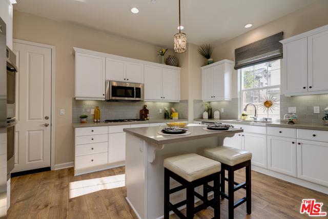 1503 Mulligan Street 80-2, Oxnard, CA 93036 (MLS #18363290) :: Hacienda Group Inc