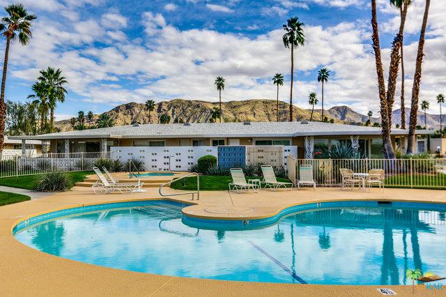 2210 S Calle Palo Fierro #32, Palm Springs, CA 92264 (MLS #18363886PS) :: Team Wasserman