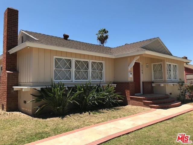 2308 Cullivan Street, Inglewood, CA 90303 (MLS #18364532) :: The John Jay Group - Bennion Deville Homes