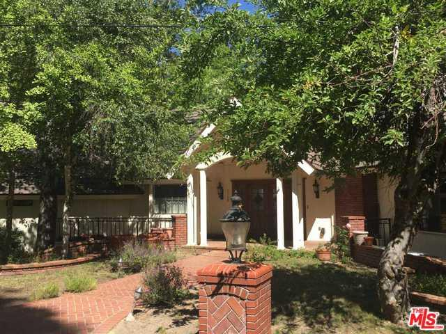 27768 High Knoll Road, Lake Arrowhead, CA 92352 (MLS #18364740) :: The John Jay Group - Bennion Deville Homes