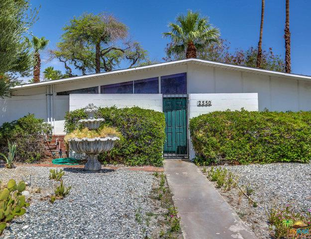 2550 N Kitty Hawk Drive, Palm Springs, CA 92262 (MLS #18365476PS) :: Team Wasserman