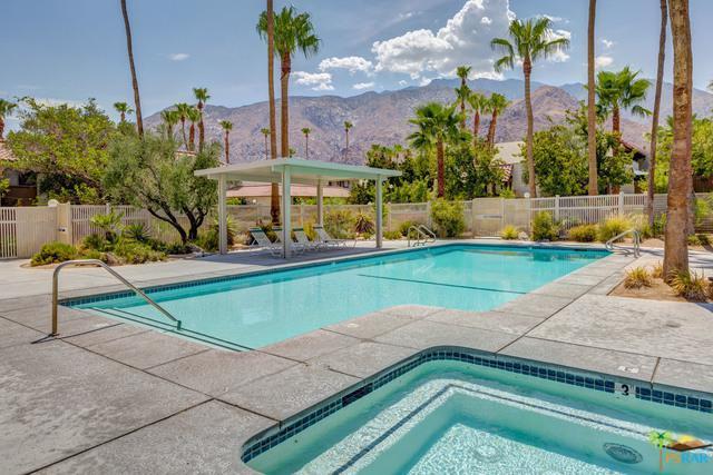 345 W Mariscal Road, Palm Springs, CA 92262 (MLS #18366034PS) :: Brad Schmett Real Estate Group