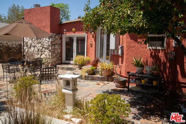1734 N California Street, Burbank, CA 91505 (MLS #18367766) :: The John Jay Group - Bennion Deville Homes