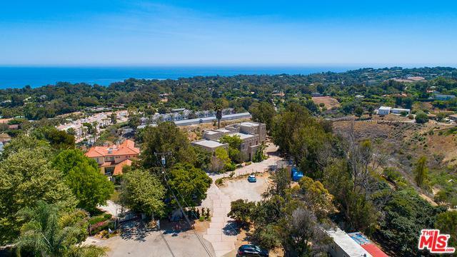 28811 Pacific Coast Highway, Malibu, CA 90265 (MLS #18367986) :: The John Jay Group - Bennion Deville Homes