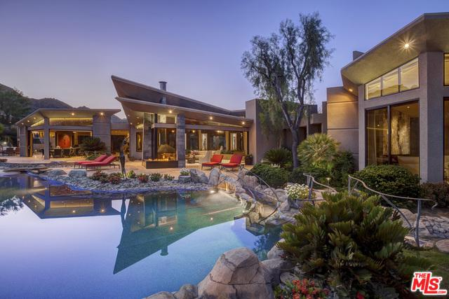 125 Wanish Place, Palm Desert, CA 92260 (MLS #18368488) :: Brad Schmett Real Estate Group