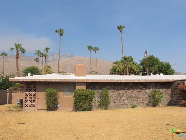 1319 S Calle Marcus, Palm Springs, CA 92264 (MLS #18368974PS) :: The John Jay Group - Bennion Deville Homes