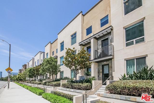 44 Soho, Irvine, CA 92612 (MLS #18369136) :: The John Jay Group - Bennion Deville Homes