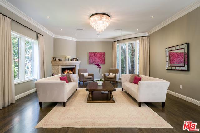 4816 Topeka Drive, Tarzana, CA 91356 (MLS #18369660) :: The John Jay Group - Bennion Deville Homes