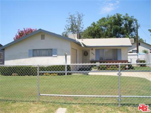 3420 Culver St, Bakersfield, CA 93306 (MLS #18369872) :: The John Jay Group - Bennion Deville Homes