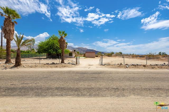 29300 Pushawalla Street, Desert Hot Springs, CA 92241 (MLS #18370046PS) :: Brad Schmett Real Estate Group
