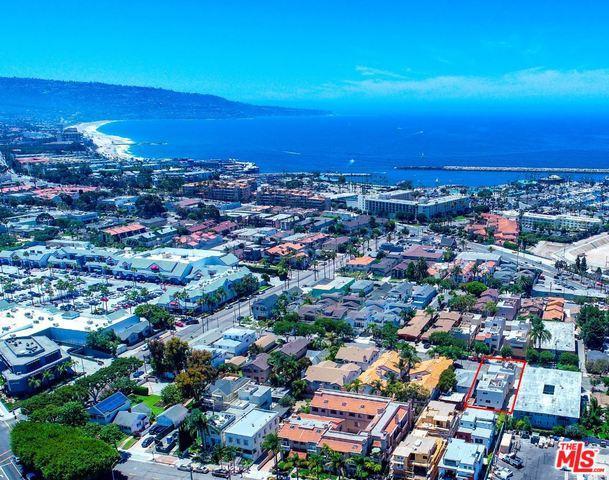 520 N Francisca Avenue, Redondo Beach, CA 90277 (MLS #18370240) :: The John Jay Group - Bennion Deville Homes