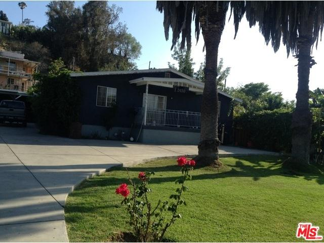 2426 W Avenue 32, Los Angeles (City), CA 90065 (MLS #18370670) :: The John Jay Group - Bennion Deville Homes