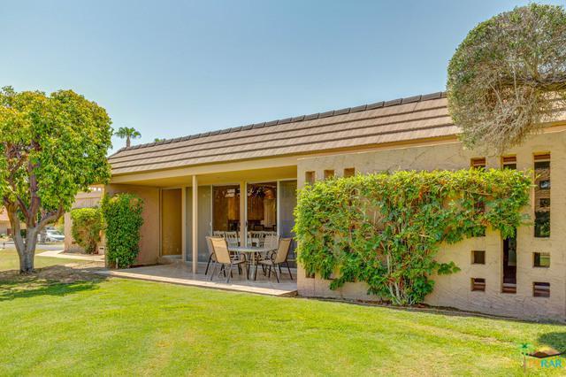 45505 Pueblo Road #45505, Indian Wells, CA 92210 (MLS #18371536PS) :: The John Jay Group - Bennion Deville Homes