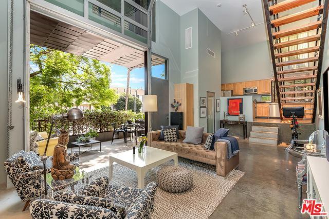 1011 N Orange Grove Avenue #1, West Hollywood, CA 90046 (MLS #18371780) :: The John Jay Group - Bennion Deville Homes