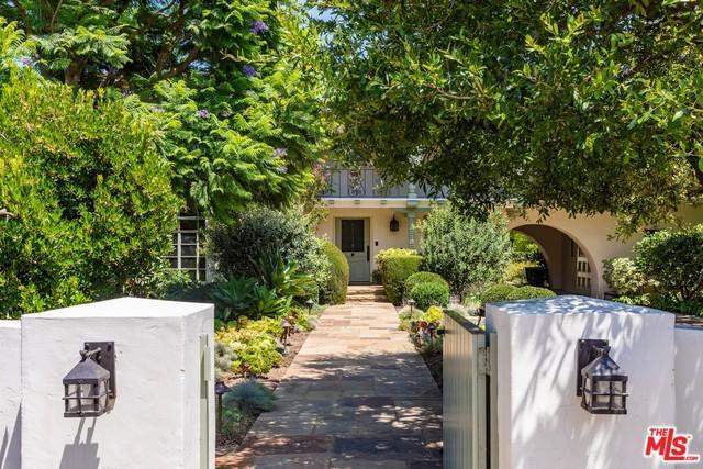 1344 Monaco Drive, Pacific Palisades, CA 90272 (MLS #18371876) :: The John Jay Group - Bennion Deville Homes