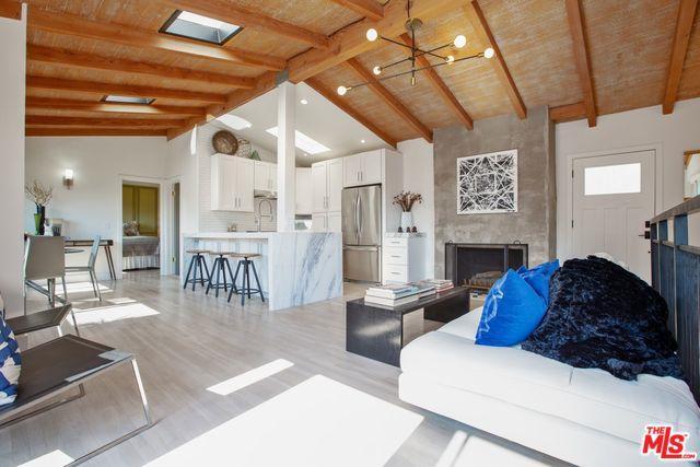 6450 Bryn Mawr Drive, Los Angeles (City), CA 90068 (MLS #18372206) :: The John Jay Group - Bennion Deville Homes