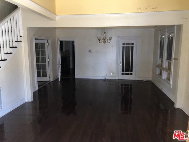 2110 W Verdugo Avenue, Burbank, CA 91506 (MLS #18372312) :: The John Jay Group - Bennion Deville Homes