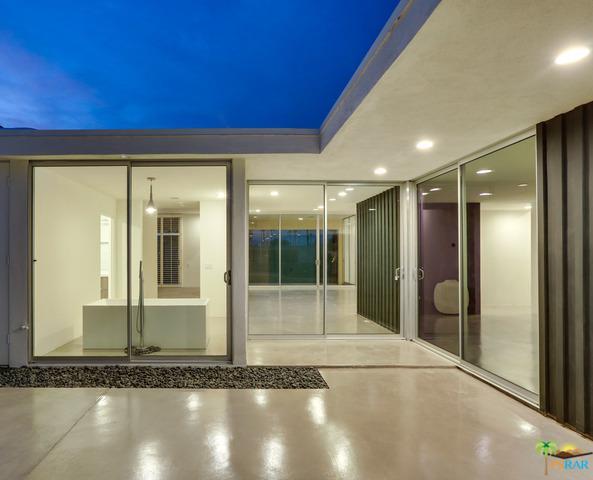 19 Westlake Drive, Palm Springs, CA 92264 (MLS #18372788PS) :: Brad Schmett Real Estate Group