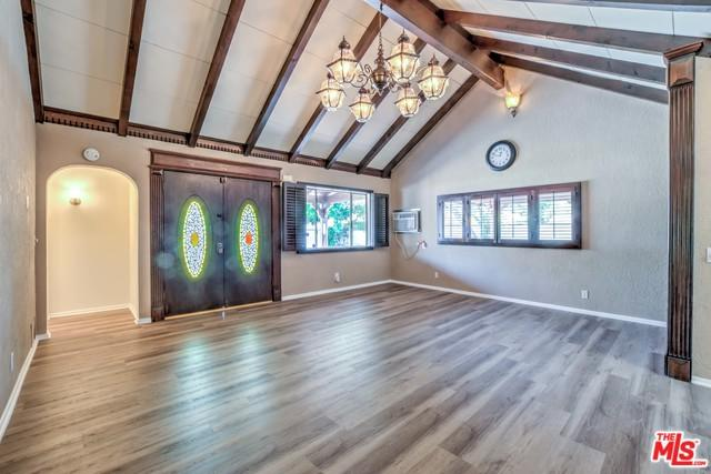 6951 Longridge Avenue, North Hollywood, CA 91605 (MLS #18372986) :: The John Jay Group - Bennion Deville Homes
