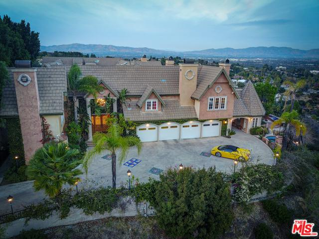 17065 Encino Verde Place, Encino, CA 91436 (MLS #18373060) :: The John Jay Group - Bennion Deville Homes