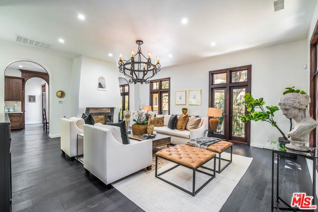 2341 Holly Drive, Los Angeles (City), CA 90068 (MLS #18373192) :: The John Jay Group - Bennion Deville Homes