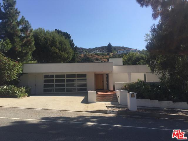 1248 Bienveneda Avenue, Pacific Palisades, CA 90272 (MLS #18373364) :: The John Jay Group - Bennion Deville Homes