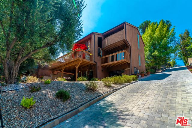 22300 Avenue San Luis, Woodland Hills, CA 91364 (MLS #18373640) :: The John Jay Group - Bennion Deville Homes
