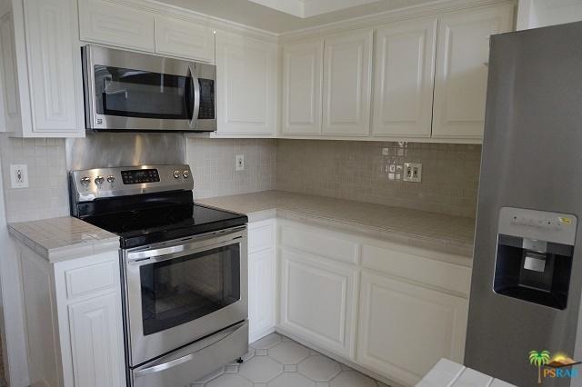 230 Bethany Road #334, Burbank, CA 91504 (MLS #18374090PS) :: The John Jay Group - Bennion Deville Homes