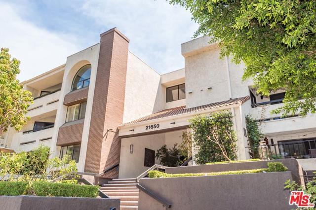 21650 Burbank #114, Woodland Hills, CA 91367 (MLS #18374308) :: The John Jay Group - Bennion Deville Homes