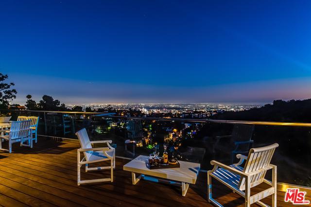2759 Creston Drive, Los Angeles (City), CA 90068 (MLS #18374382) :: The John Jay Group - Bennion Deville Homes