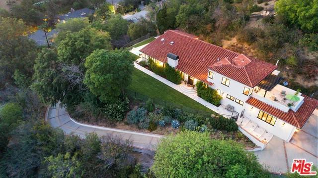 3444 Laurelvale Drive, Studio City, CA 91604 (MLS #18374394) :: The John Jay Group - Bennion Deville Homes