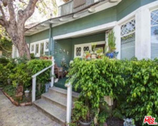 1815 10th Street, Santa Monica, CA 90404 (MLS #18374622) :: The John Jay Group - Bennion Deville Homes