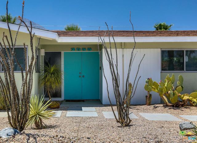 2955 N Bahada Road, Palm Springs, CA 92262 (MLS #18374958PS) :: The John Jay Group - Bennion Deville Homes