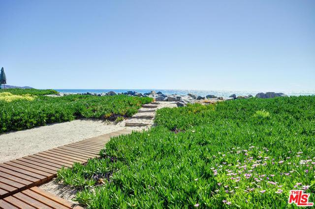 31330 Broad Beach Road, Malibu, CA 90265 (MLS #18375100) :: The John Jay Group - Bennion Deville Homes