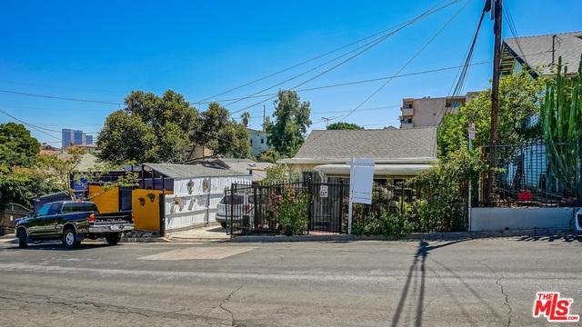 2210 Clinton Street, Los Angeles (City), CA 90026 (MLS #18375158) :: The John Jay Group - Bennion Deville Homes
