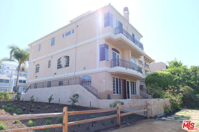 3511 Via Dolce, Marina Del Rey, CA 90292 (MLS #18375266) :: The John Jay Group - Bennion Deville Homes