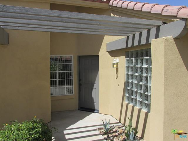 1392 Crystal Court, Palm Springs, CA 92264 (MLS #18375440PS) :: Brad Schmett Real Estate Group