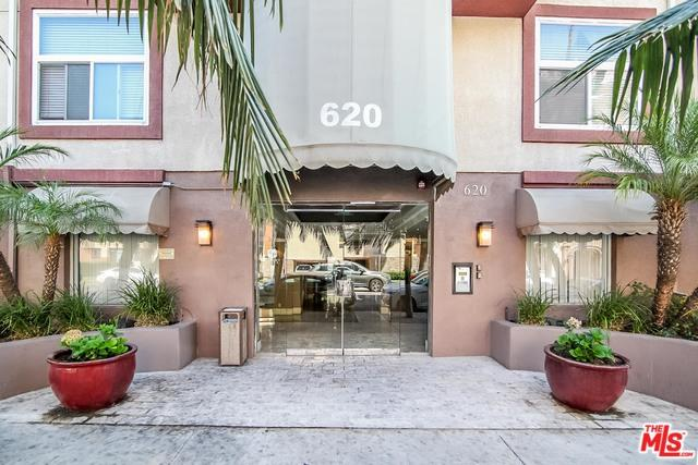 620 S Gramercy Place #309, Los Angeles (City), CA 90005 (MLS #18375726) :: The John Jay Group - Bennion Deville Homes