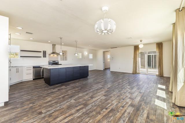 2727 Ernestine Drive, Landers, CA 92284 (MLS #18375788PS) :: The John Jay Group - Bennion Deville Homes