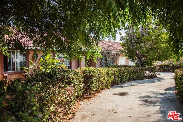 18350 Summit Avenue, Rialto, CA 92377 (MLS #18376796) :: The John Jay Group - Bennion Deville Homes