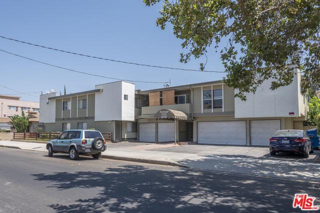 5228 Hermitage Avenue, Valley Village, CA 91607 (MLS #18378710) :: Team Wasserman