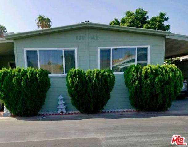 8811 Canoga Avenue #104, Canoga Park, CA 91304 (MLS #18379548) :: Team Wasserman