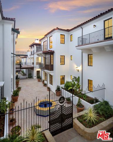 18 W Victoria Street #207, Santa Barbara, CA 93101 (MLS #18380360) :: Deirdre Coit and Associates