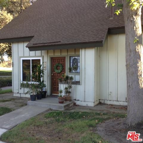 9646 Karmont Avenue, South Gate, CA 90280 (MLS #18380868) :: Team Wasserman