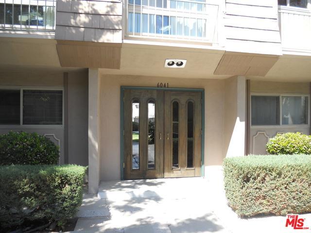 6041 Fountain Park Ln. #13, Woodland Hills, CA 91367 (MLS #18382226) :: Team Wasserman