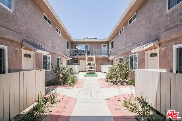21733 Lassen Street, Chatsworth, CA 91311 (MLS #18382862) :: Team Wasserman