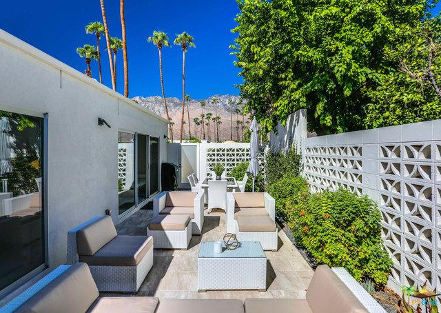 2514 E Morongo, Palm Springs, CA 92264 (MLS #18383384PS) :: The Jelmberg Team