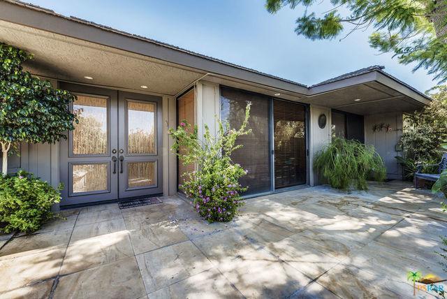 76 Columbia Drive, Rancho Mirage, CA 92270 (MLS #18383572PS) :: Brad Schmett Real Estate Group