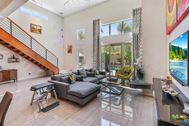 913 Oceo Circle, Palm Springs, CA 92264 (MLS #18383656PS) :: Brad Schmett Real Estate Group