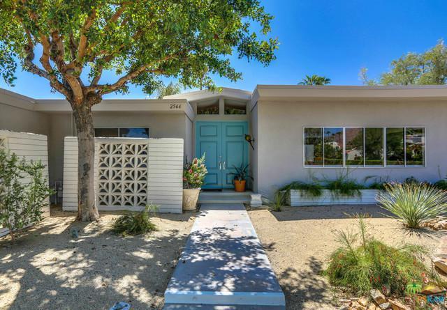 2566 S Sierra Madre, Palm Springs, CA 92264 (MLS #18384396PS) :: Hacienda Group Inc